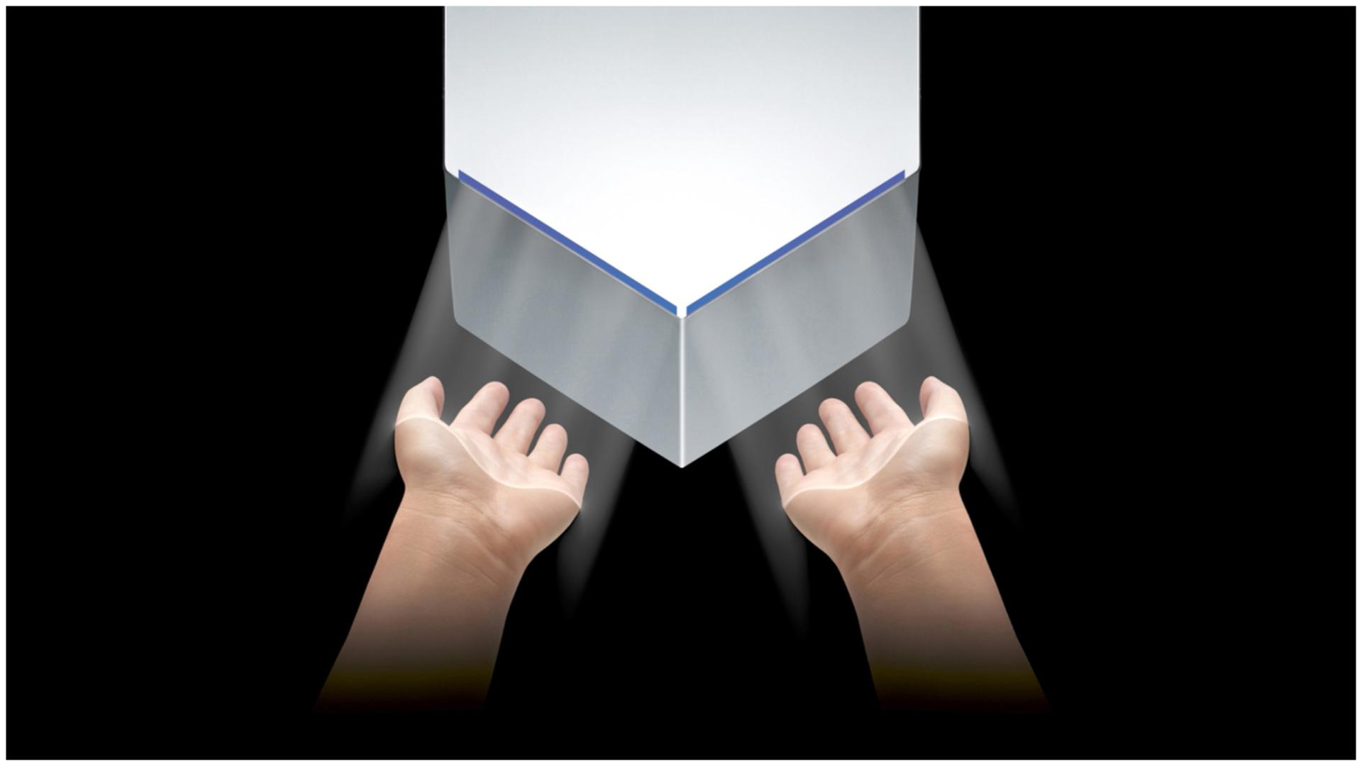 ידיים מתייבשות תחת Dyson Airblade V