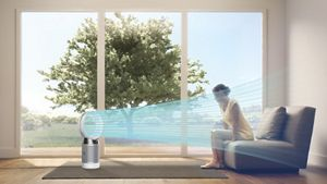 Dyson Pure Cool desk cools you in the summer