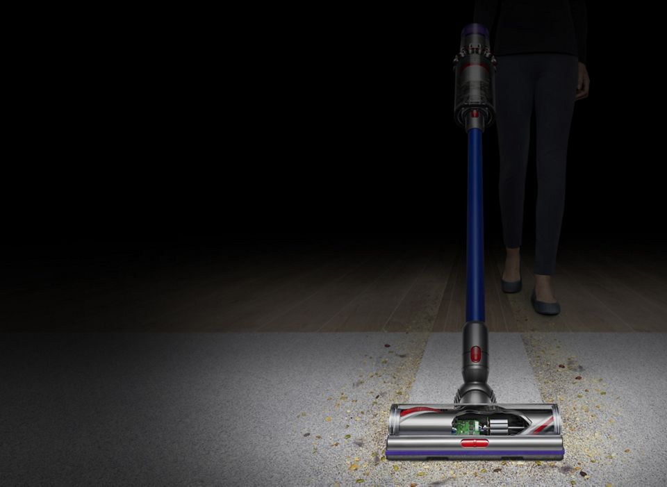 Dyson V11 Absolute vacuum front view cleaning carpet