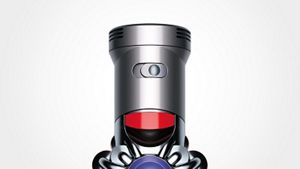 Close-up on Dyson power mode button