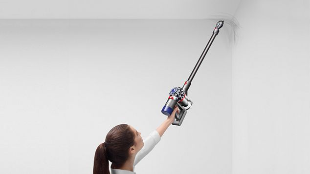 Dyson V8 Absolute vacuum cleaner cleaning crevice