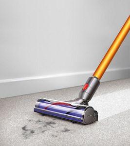 vacuum head on carpet - Dyson Absolute