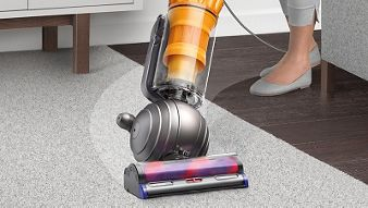 Dyson Light Ball Upright Vacuum Cleaner Cleaning Carpet