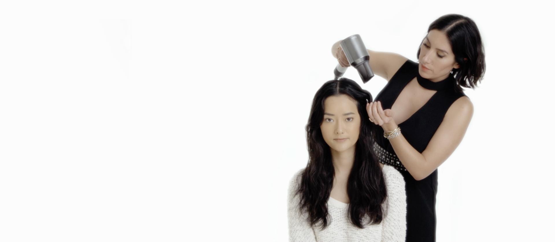 Jen Atkin styling models hair