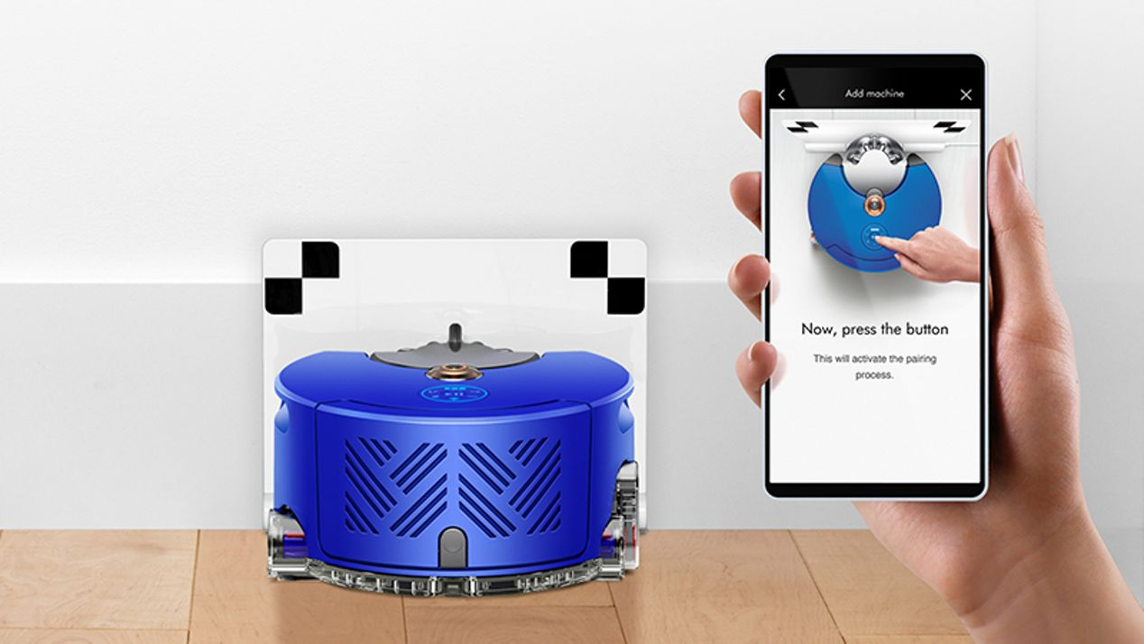 The Dyson Link app connecting to the robot