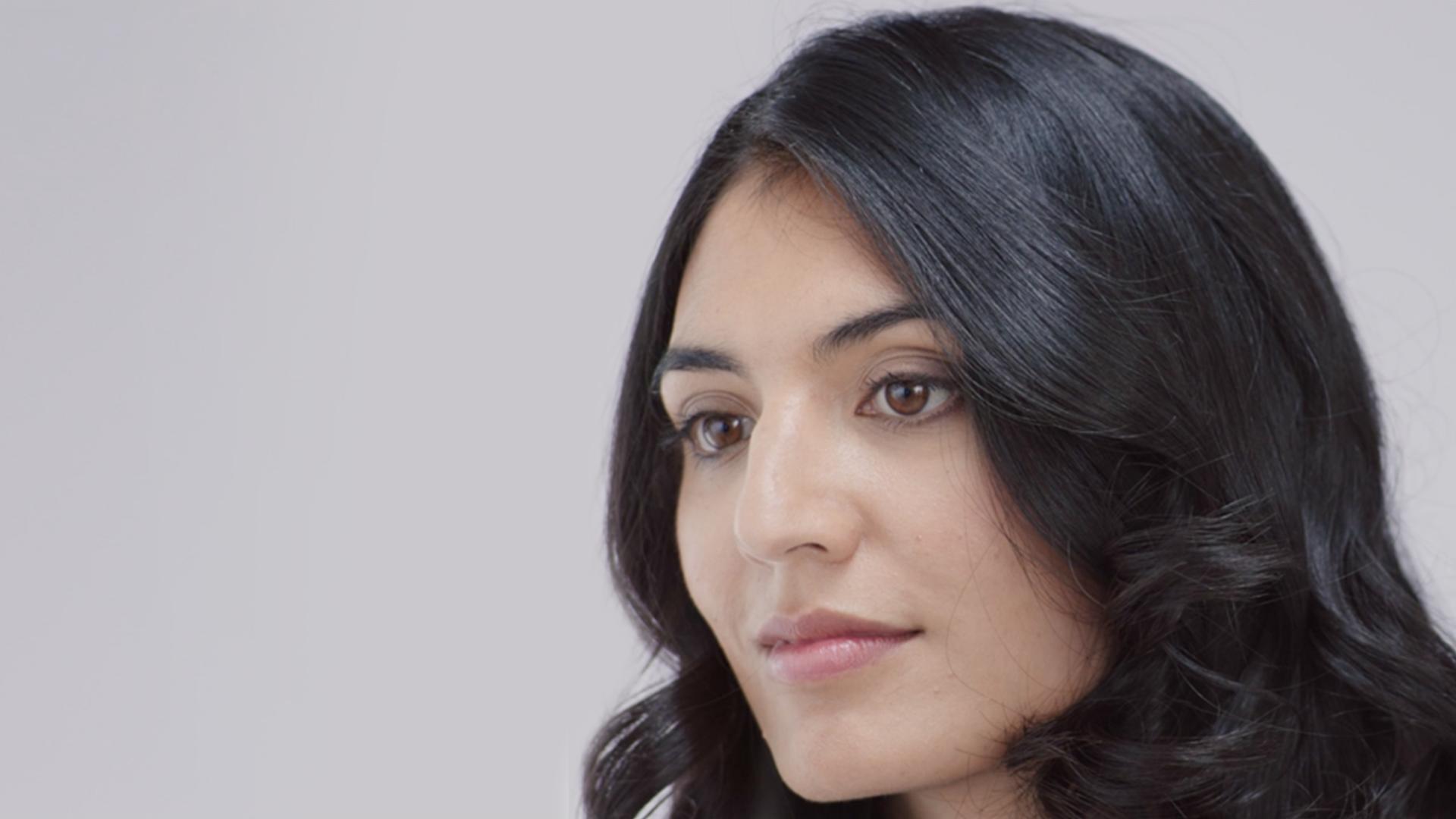 播放影片:如何擁有對稱曲髮