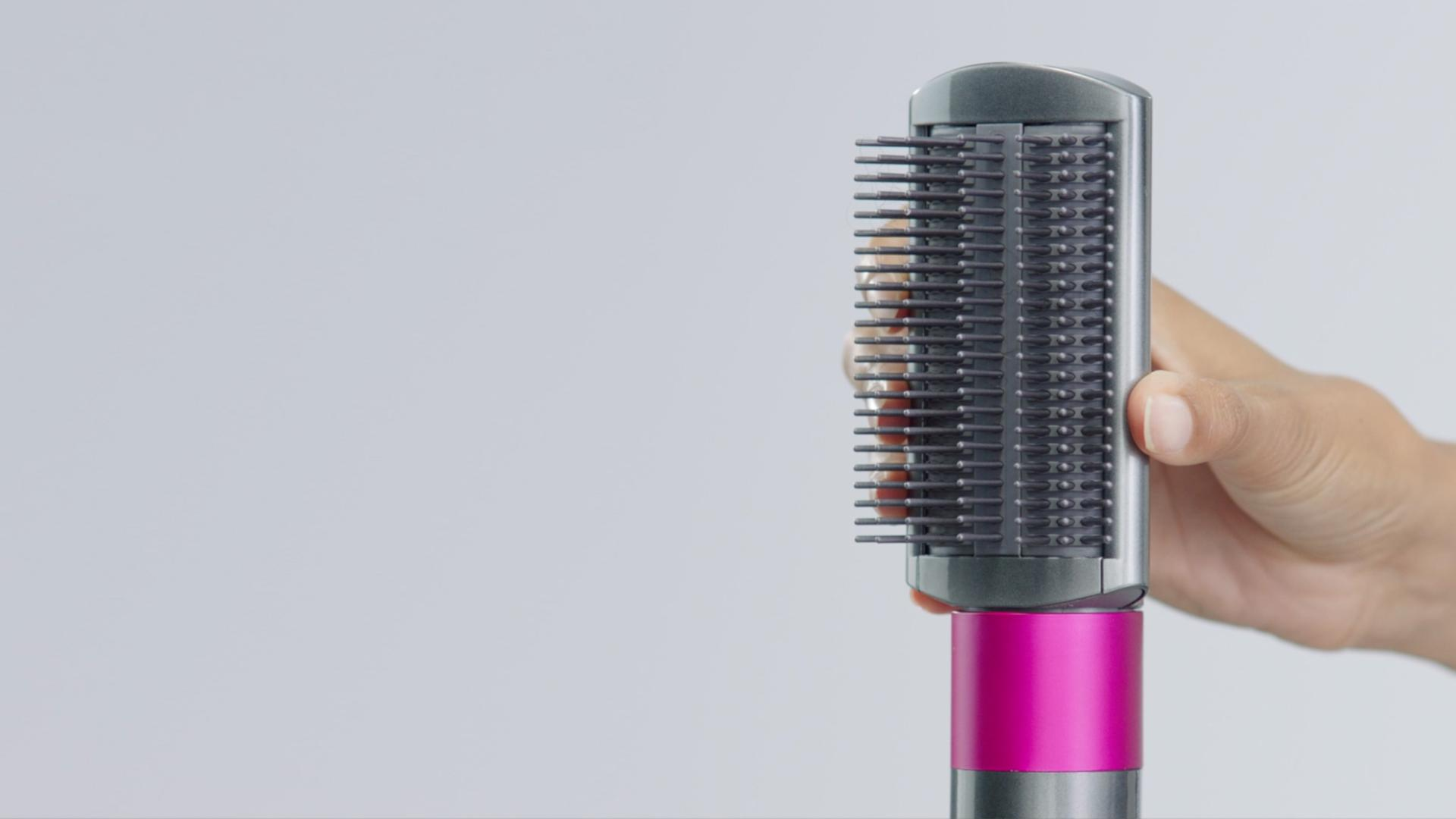 Play the video:  How to create a straighter style using the firm smoothing brush