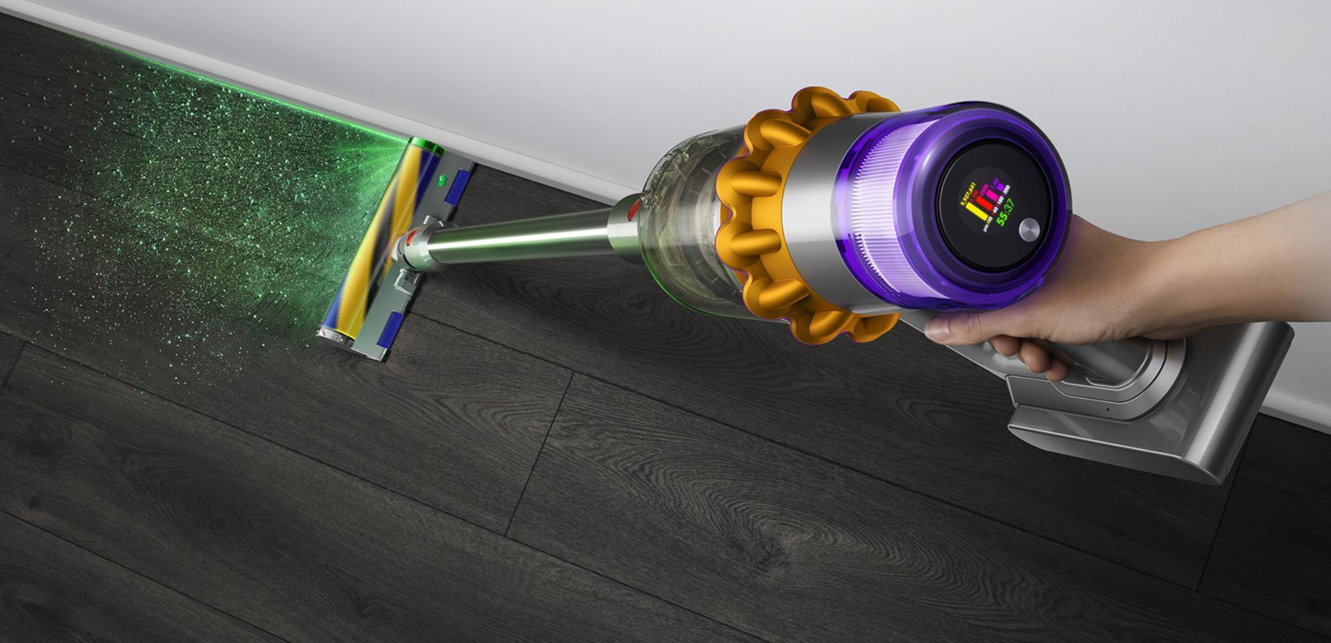 Dyson V15 Detect revealing dust on hard floor