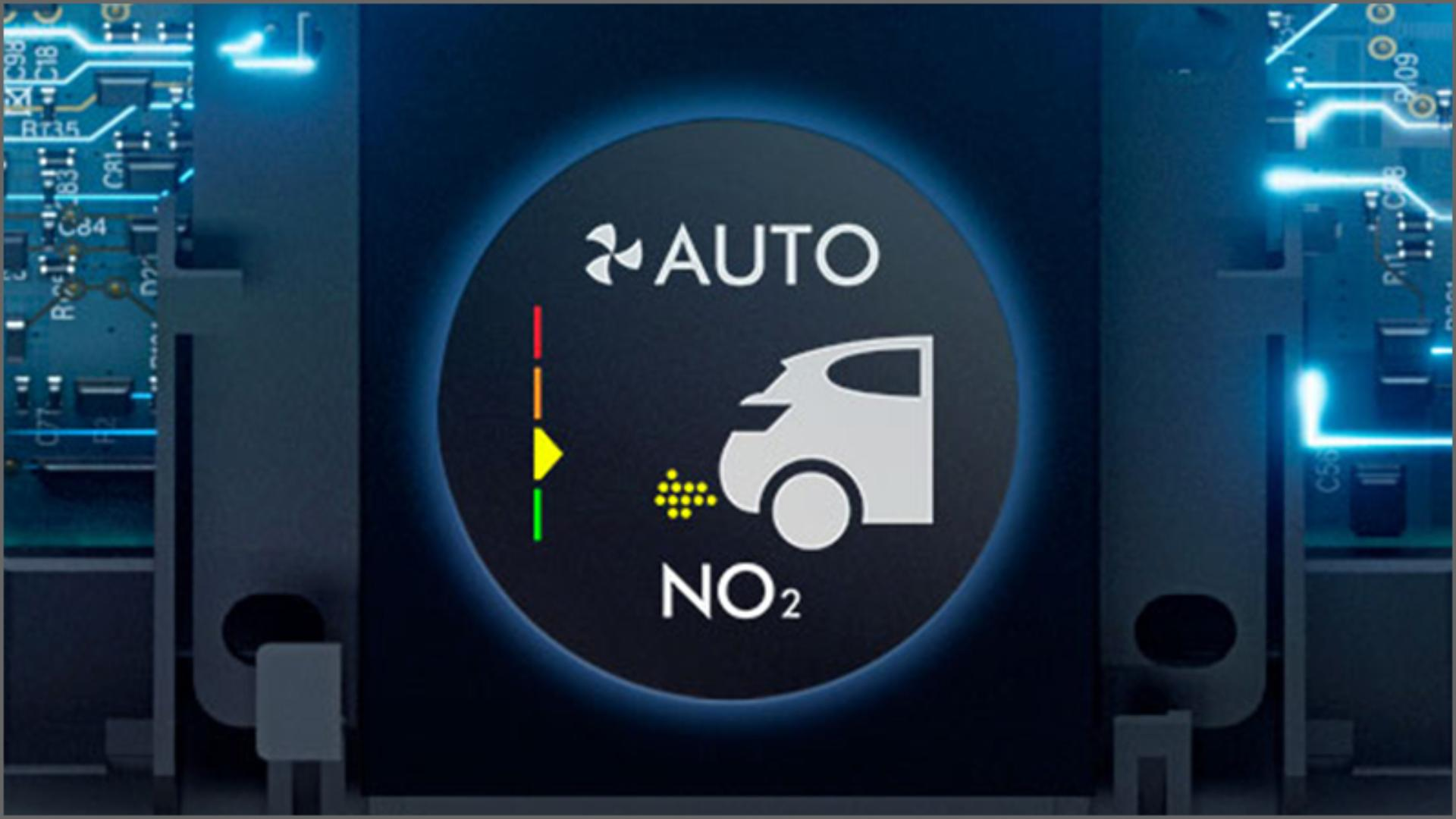 Internal sensing technology and LCD screen showing pollutants detected