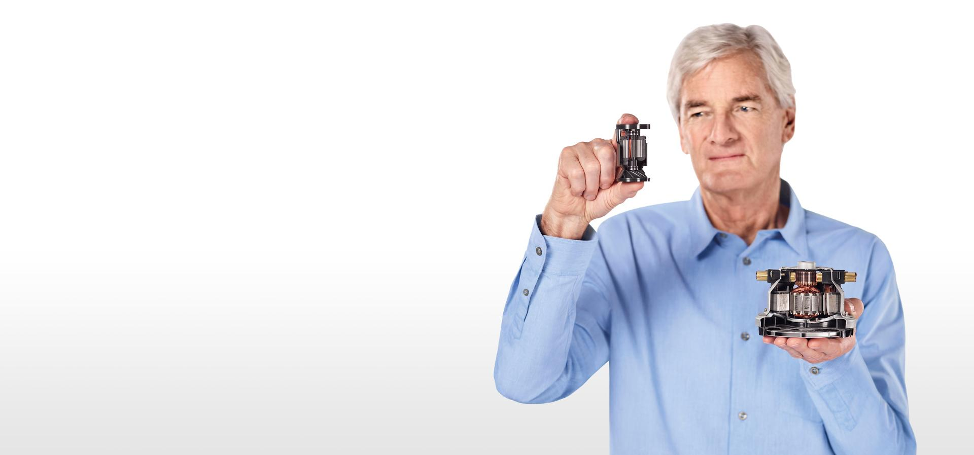 James Dyson compares a Dyson Hyperdymium motor to a conventional motor