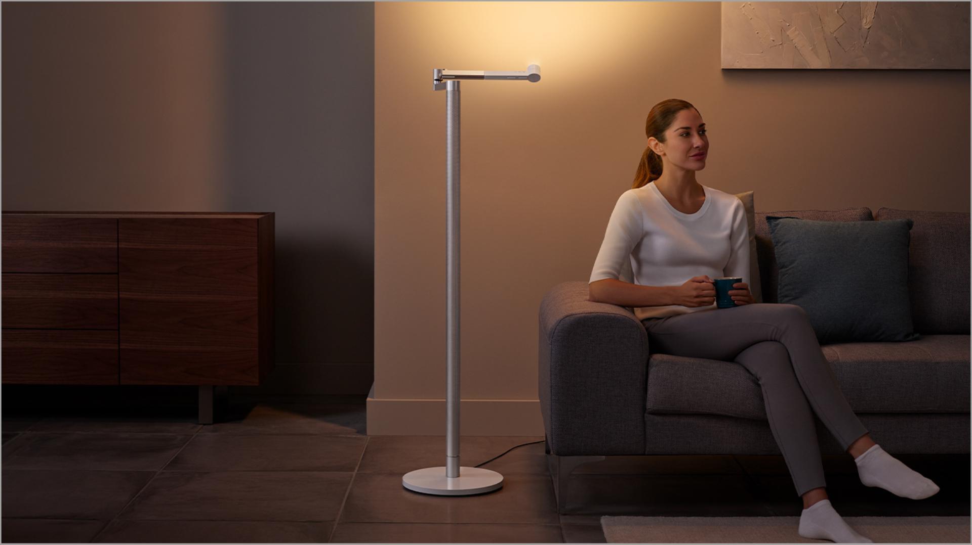 โคมไฟตั้งพื้น Dyson Lightcycle Morph™