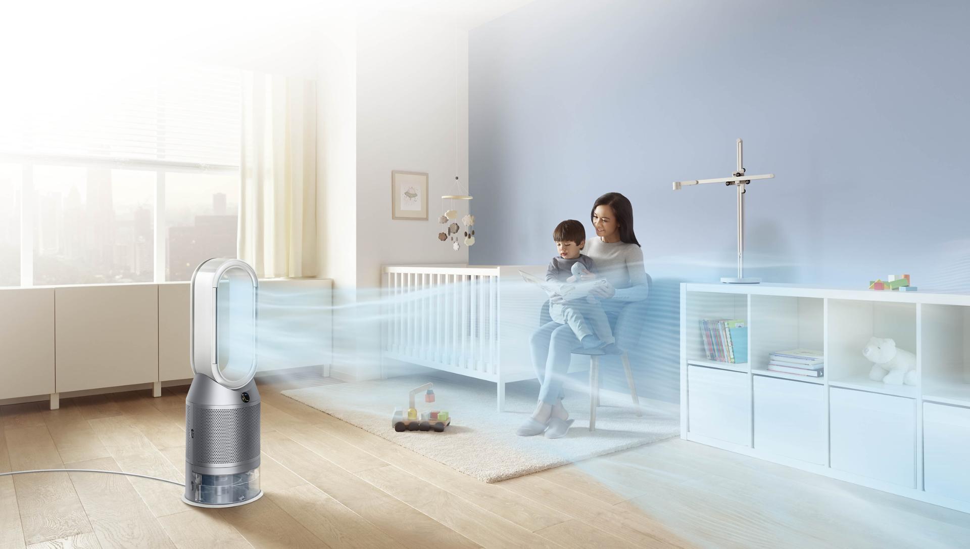 Oczyszczacz powietrza z funkcją nawilżania w pokoju z zobrazowanym przepływem powietrza