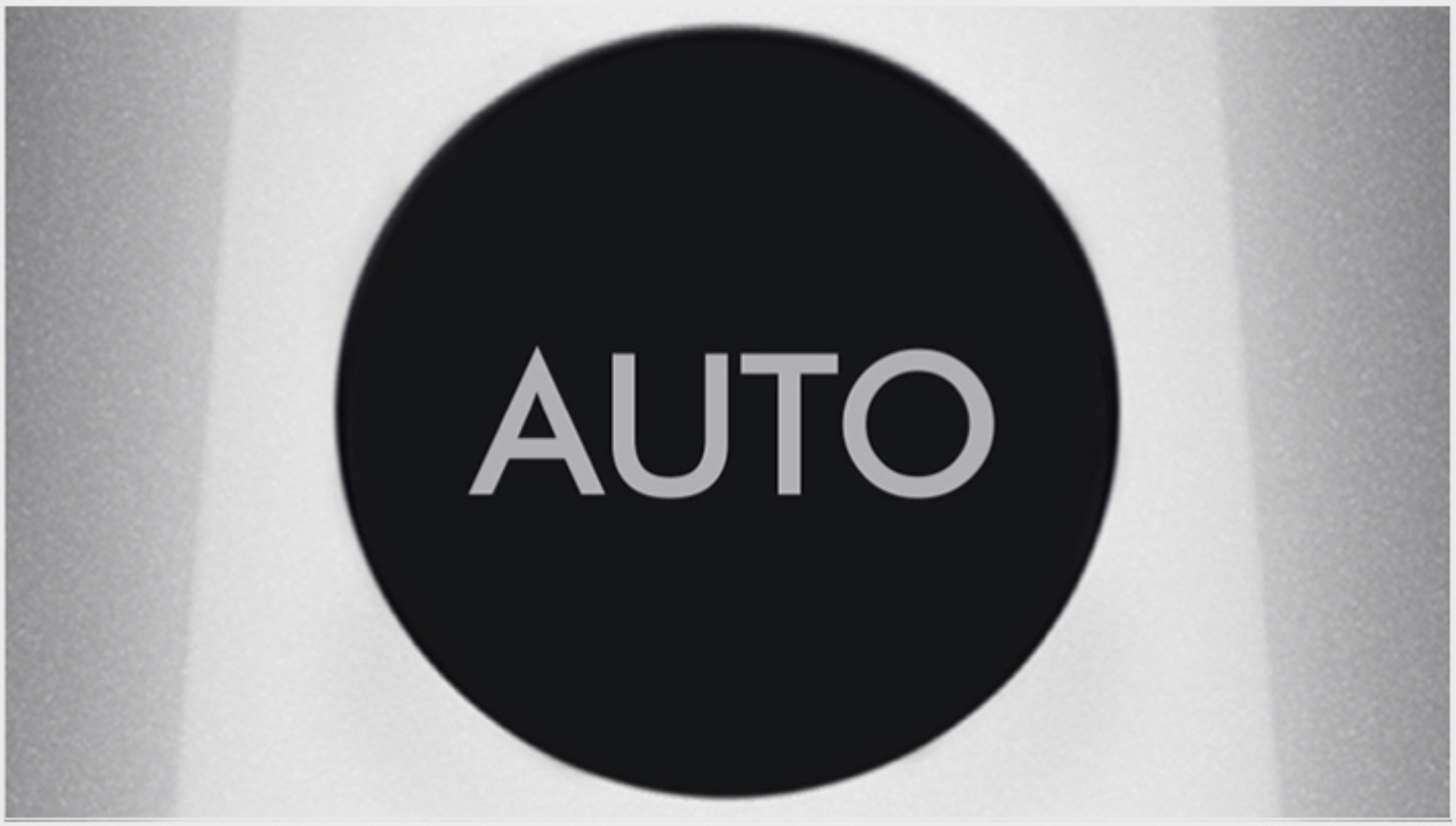 Zbliżenie na ekran z uruchomionym trybem Auto
