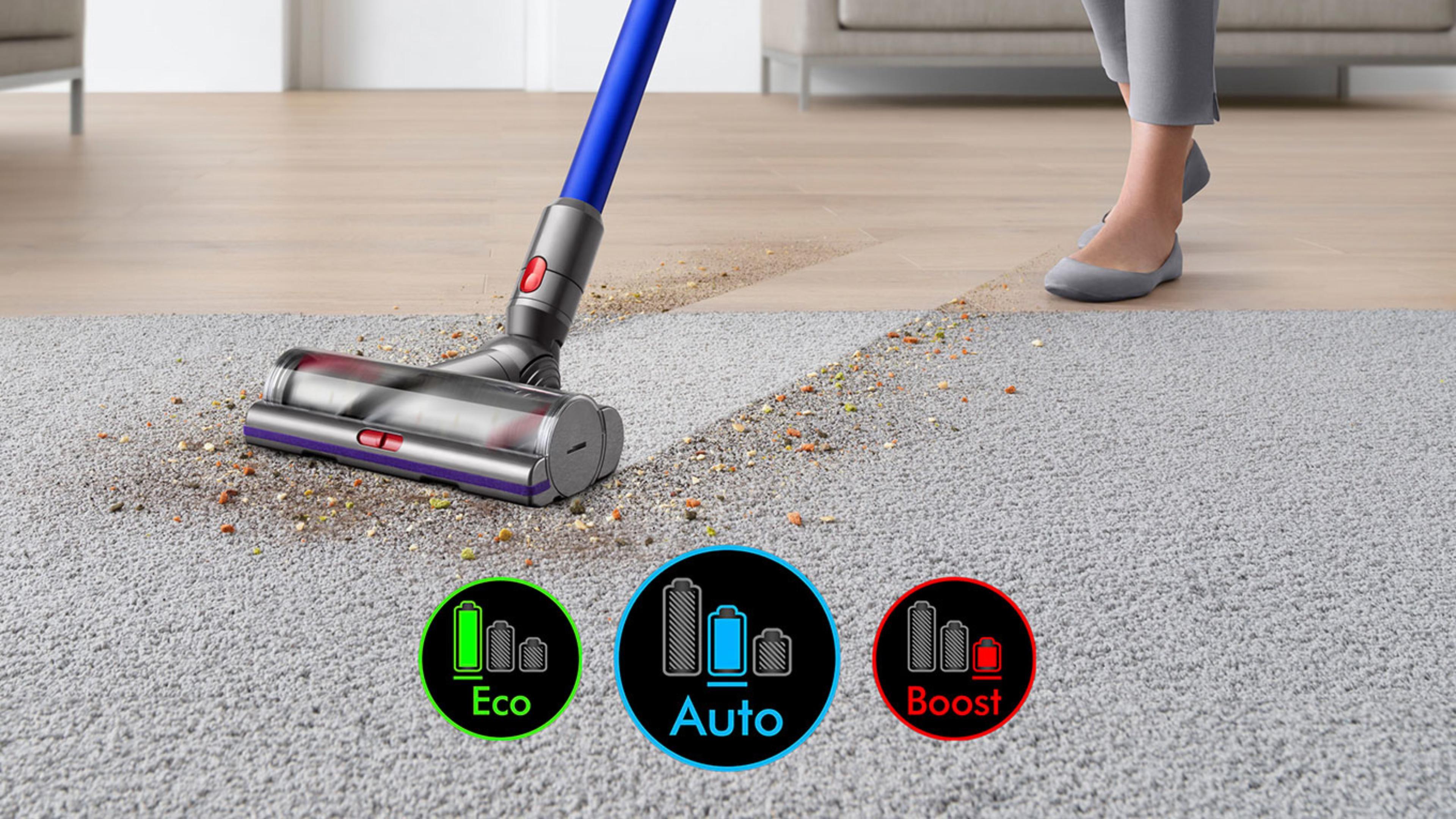 Głowica czyszcząca na dywanie razem z obrazem ekranu z trzema trybami mocy