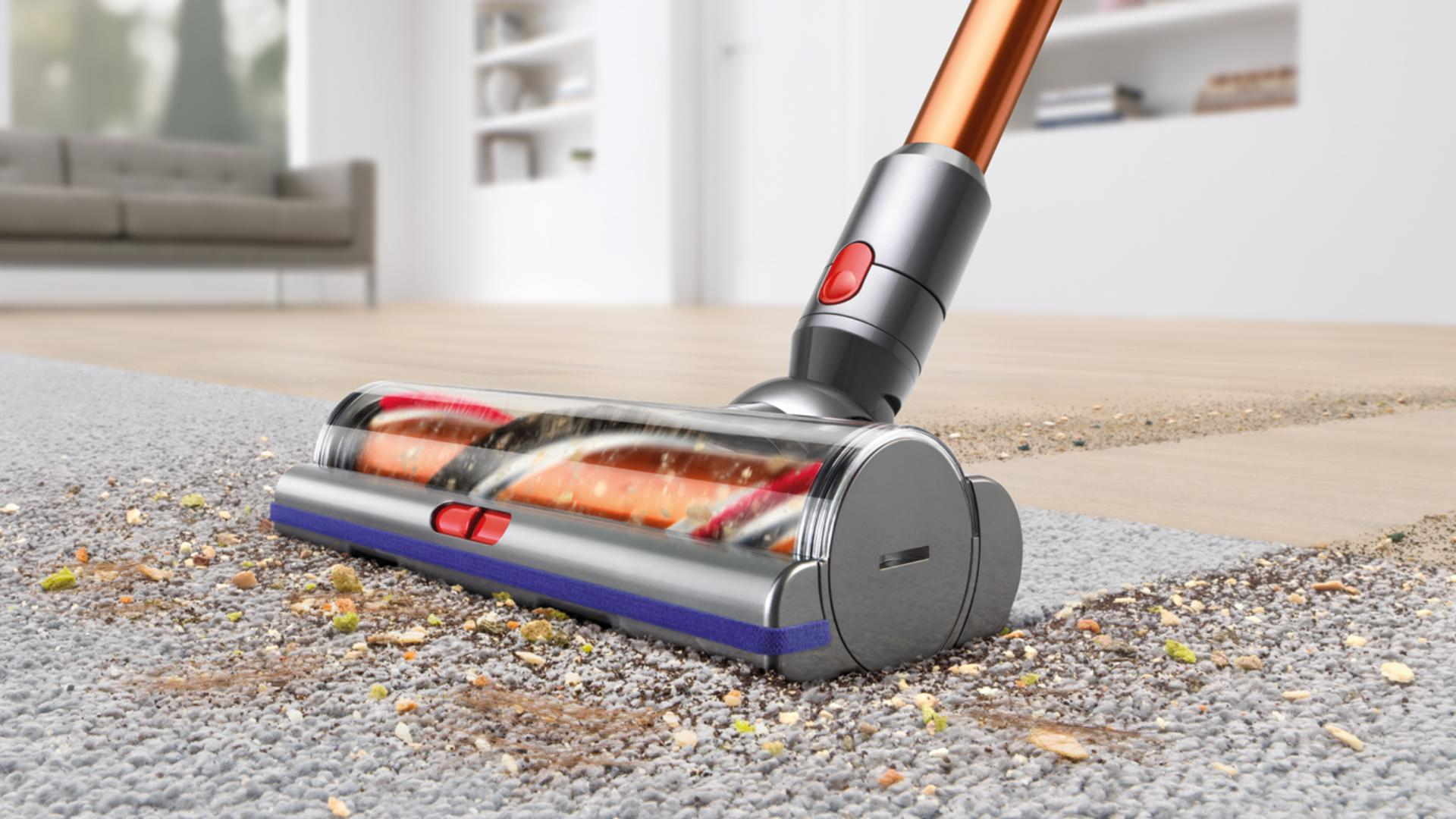 High Torque cleaner head moving from hard floor to carpet