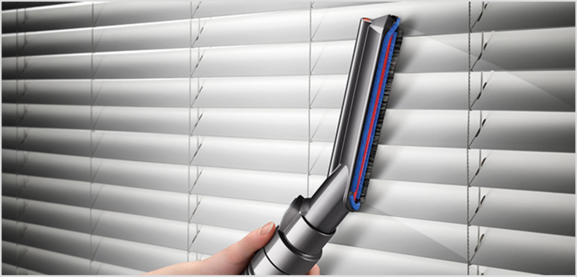Carbon fibre soft dusting brush