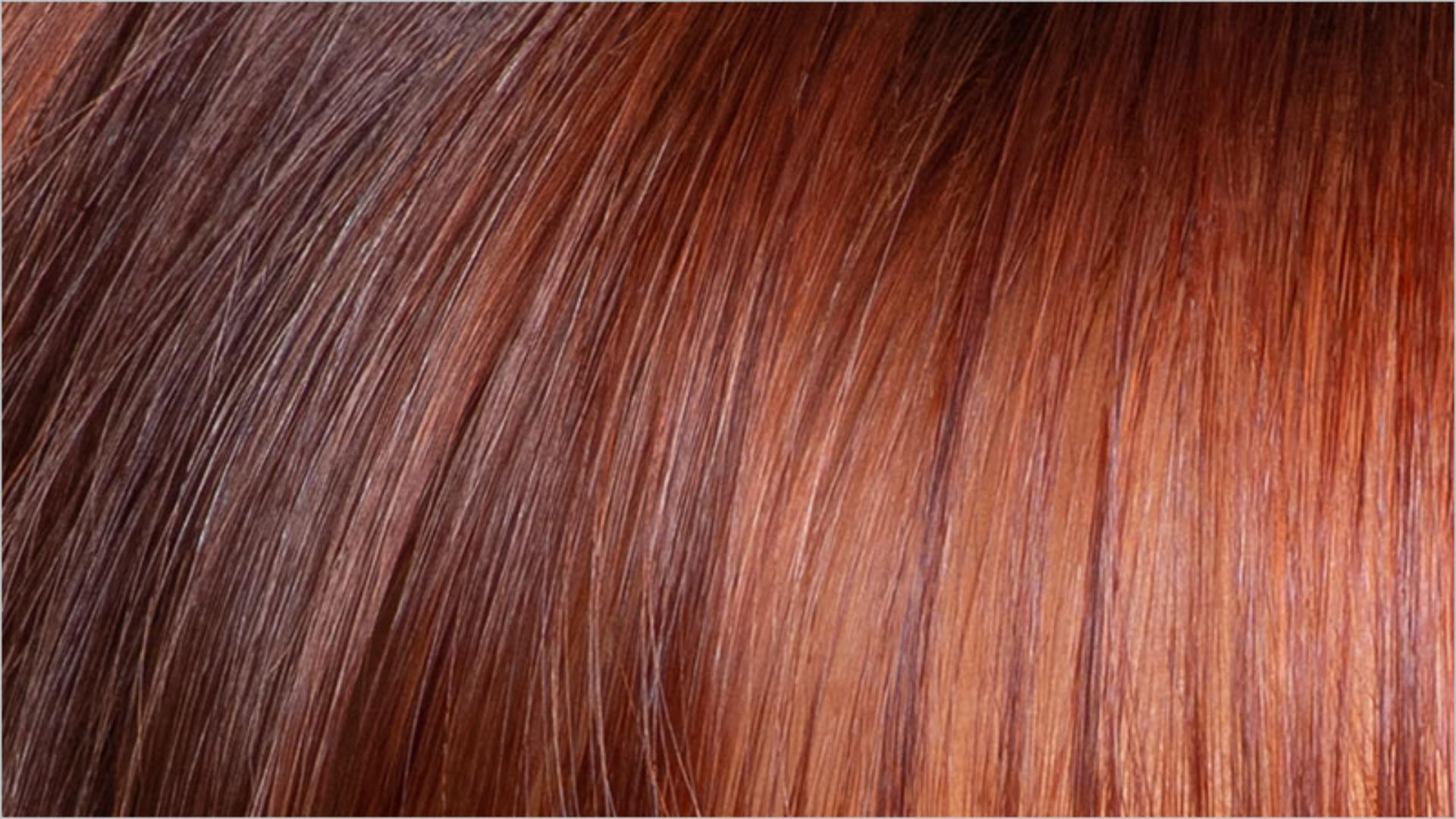 Primer plano a un cabello teñido.