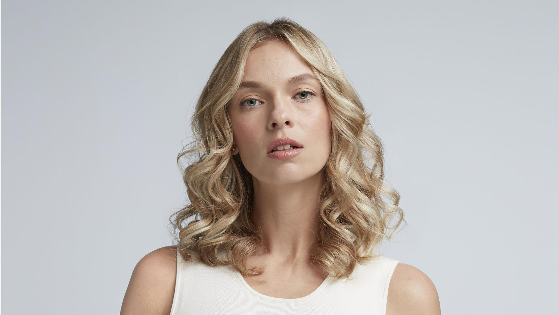 Click to play video for how to create voluminous curls