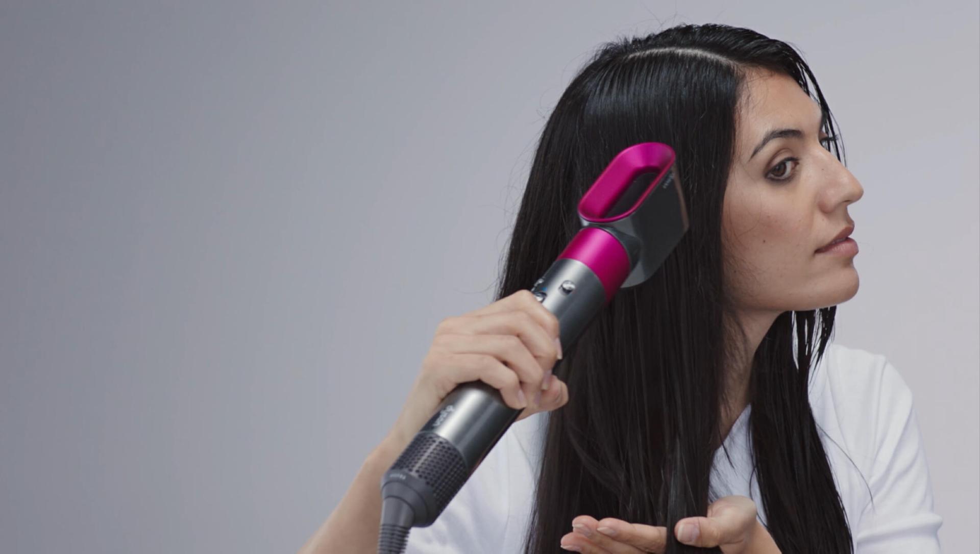 Videoclip despre cum să vă pregătiți părul pentru coafare