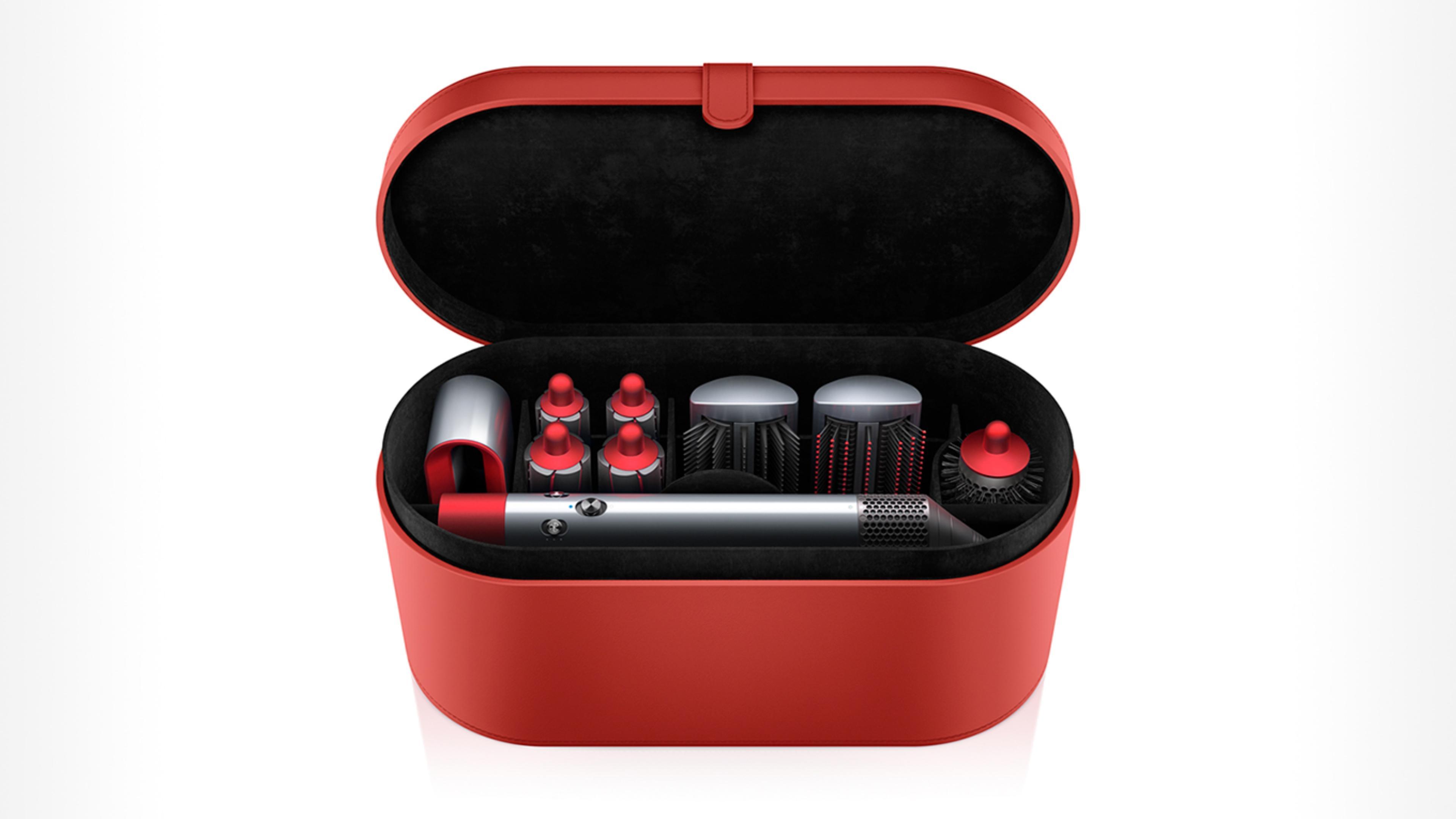 مصفف الشعر Dyson Airwrap في علبة التخزين
