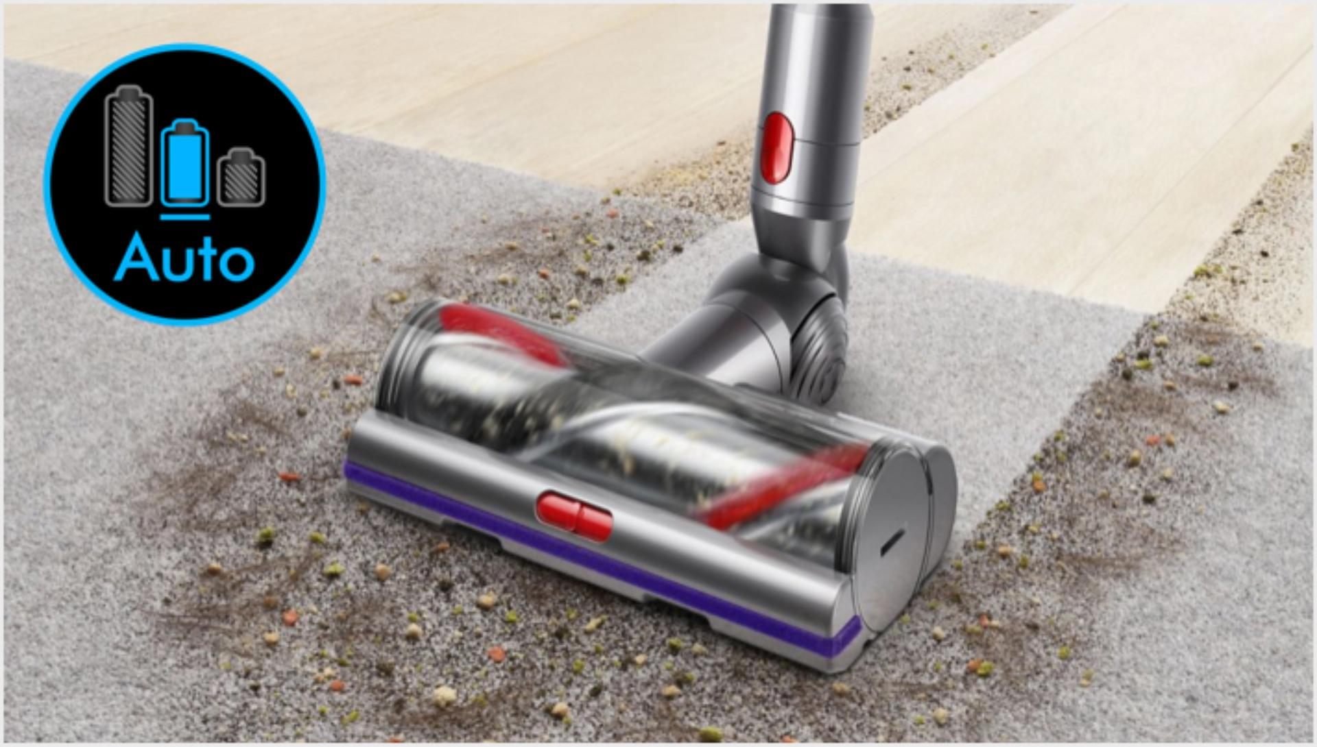 다양한 바닥 유형에서 사용 중인 다이슨 V11 무선 청소기