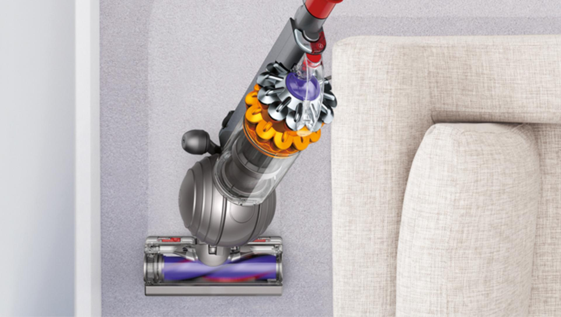 A ball steering mechanism means you can easily maneuver the Dyson Small Ball vacuum around corners.