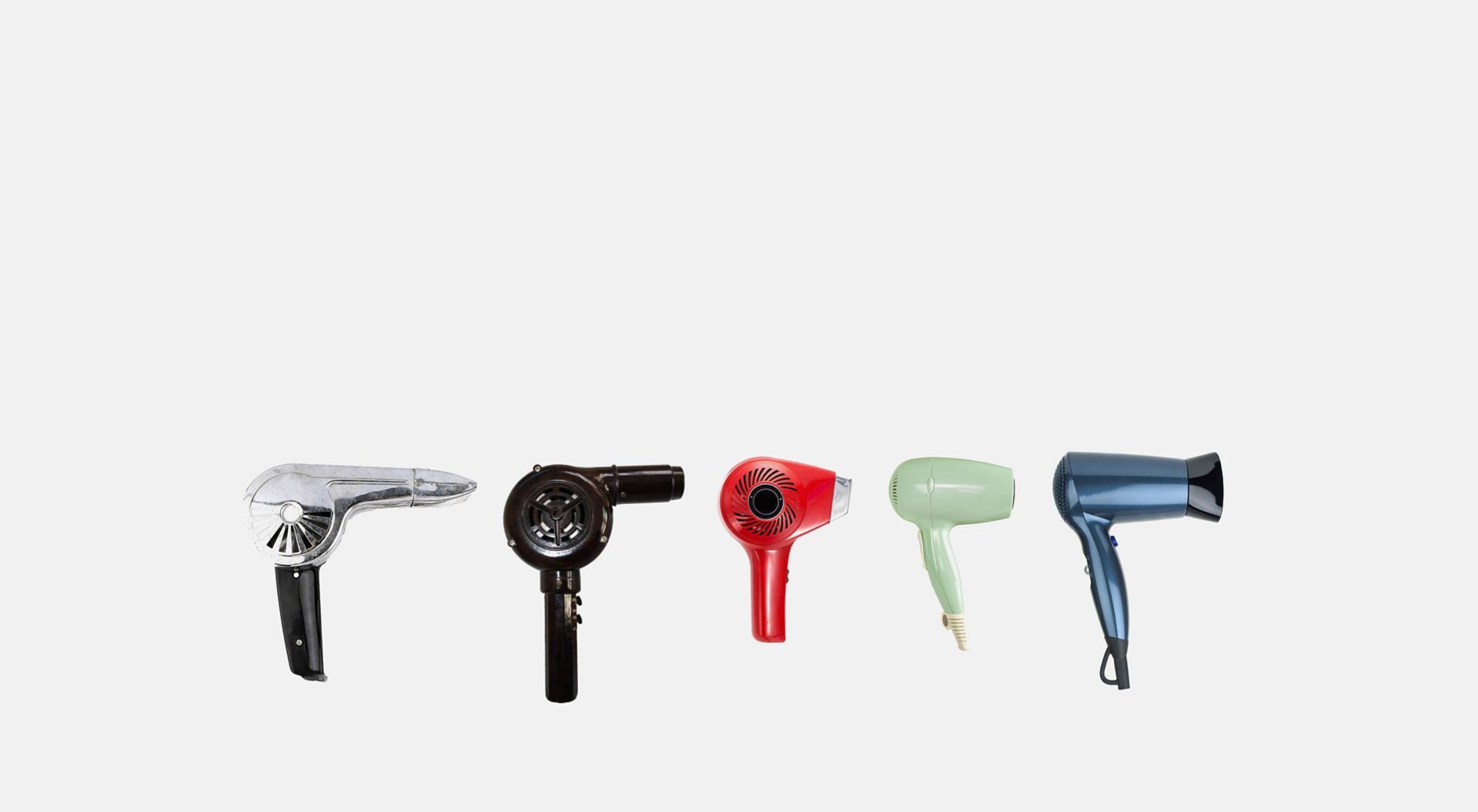 Üst üste farklı saç kurutma makineleri